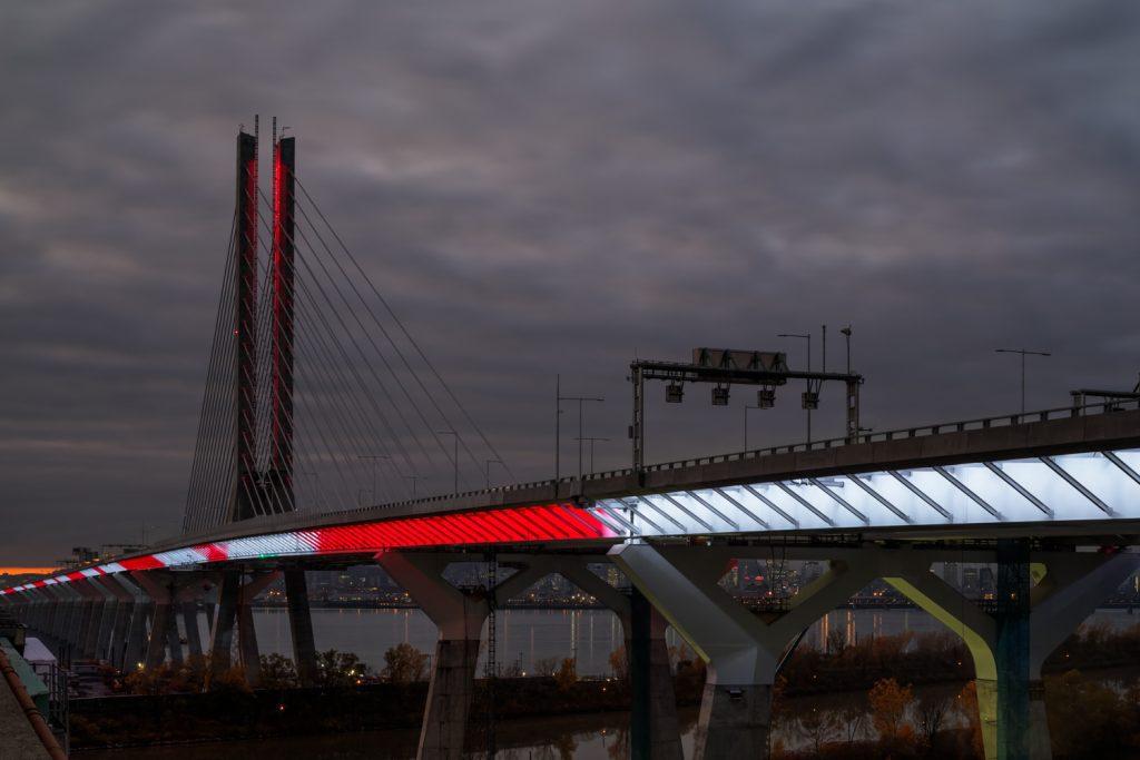 Illumination du pont Samuel-De Champlain